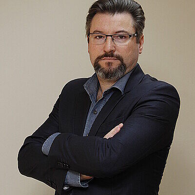 Dr. Gilberto Stroparo